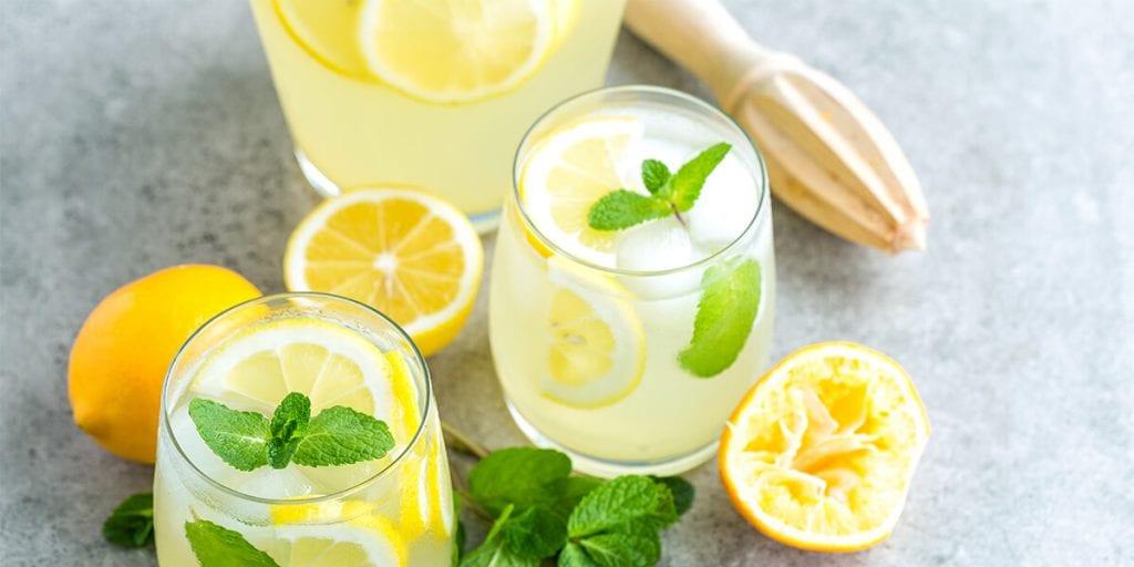 Pomada o gin amb llimonada