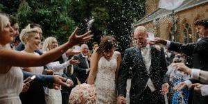 tirar arroz en bodas