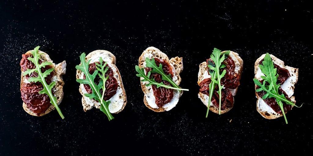 Comer en la oscuridad, catering original