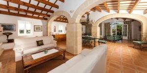 Si necesitas alojamiento después de tu boda, la Finca Ses Cuarterades cuenta con alojamiento para 10 personas
