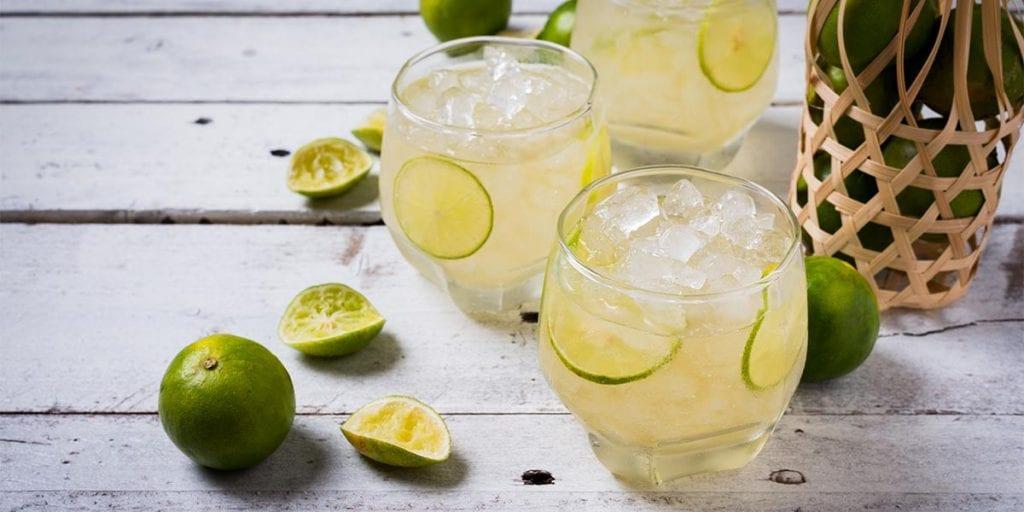 Sirve en tu boda licores y cocktails de Menorca, como la pomada y la Ratafía