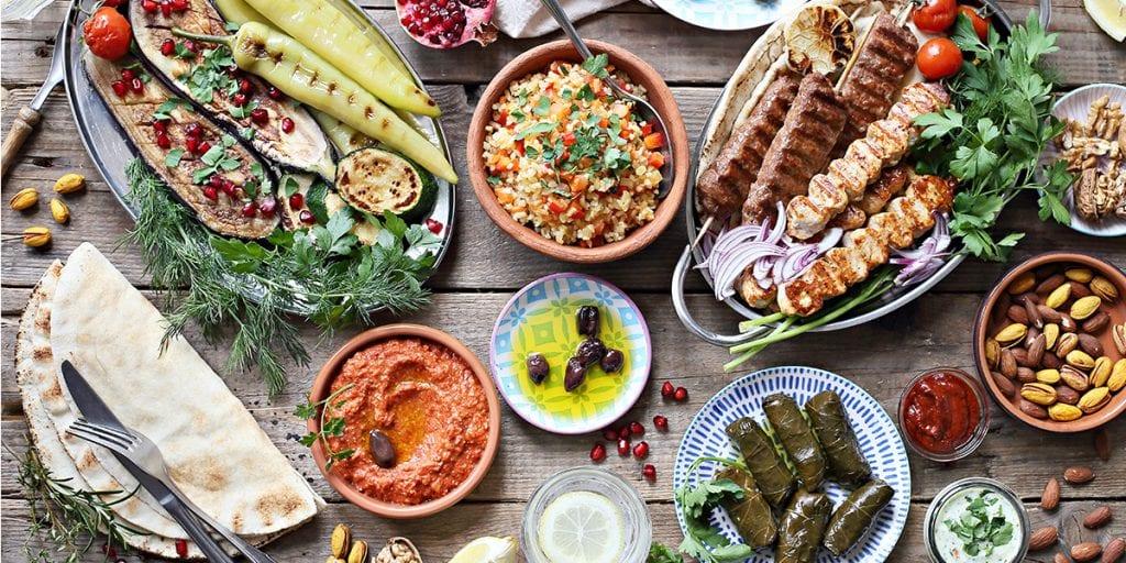 Sorprende en tu próximo catering en Menorca con un menú inspirado en la cocina libanesa