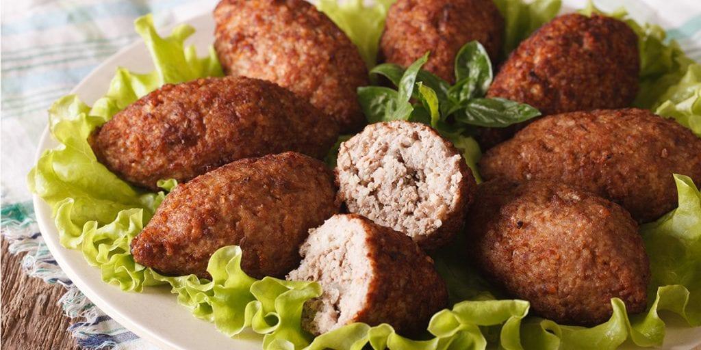 El kibbeh es el plato libanés por excelencia, hecho de trigo bulgur y carne de cordero
