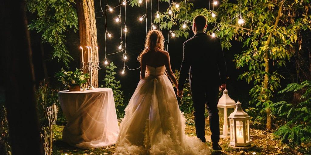 Organiza tu boda en una noche de primavera en Menorca, y sed vosotros los únicos que brilléis en la oscuridad