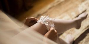 La liga de la novia simboliza la pureza y la virginidad con la que se entrega al matrimonio