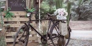Decora con objetos vintage para dar un toque retro a tu boda