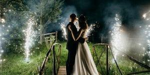 Terminad la velada con un espectáculo de fuegos artificiales. Iluminad el cielo con vuestros deseos