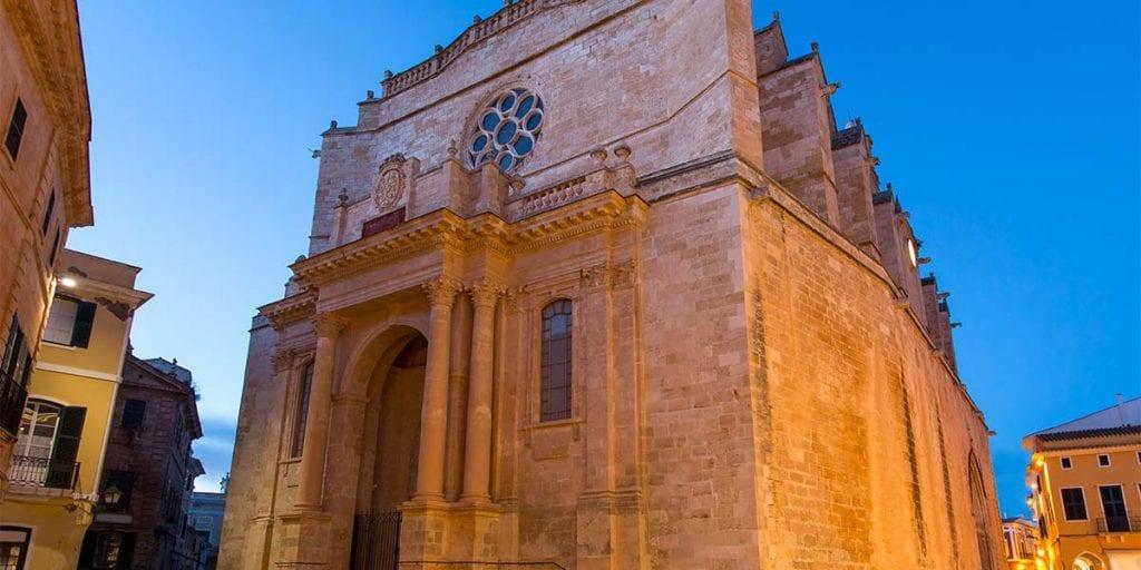 Celebra tu boda tradicional en la Catedral de Ciutadella, la iglesia más bonita de la isla de Menorca