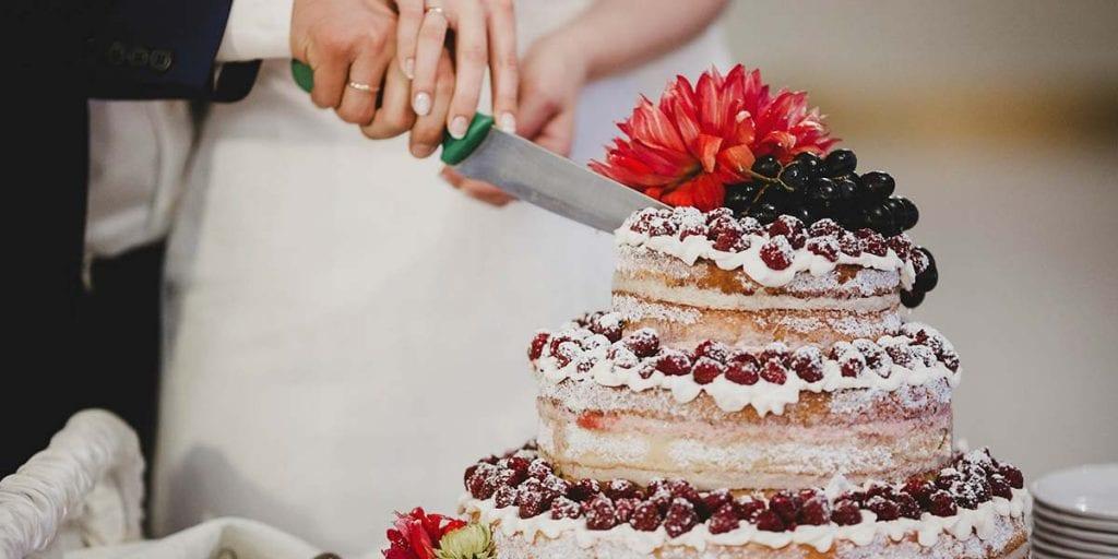 Existen tantos estilos de tartas como gustos diferentes, así que piensa cuál es la que más casa contigo