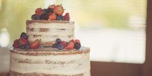 Las naked cakes o tartas desnudas no dejan nada a la imaginación. Muestran el bizcocho y el relleno, ya que no tienen cobertura de ningún tipo