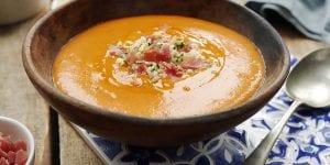 Aprovechando que el calor por fin ha llegado, hemos preparado un menú veraniego que podrás servir en tu próximo catering en Menorca