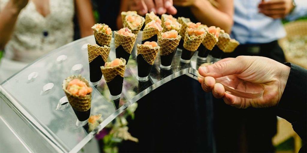 De entre las miles de opciones de aperitivos posibles, hoy te proponemos algunas fantásticas ideas para que las incorpores en tu próximo evento en Menorca