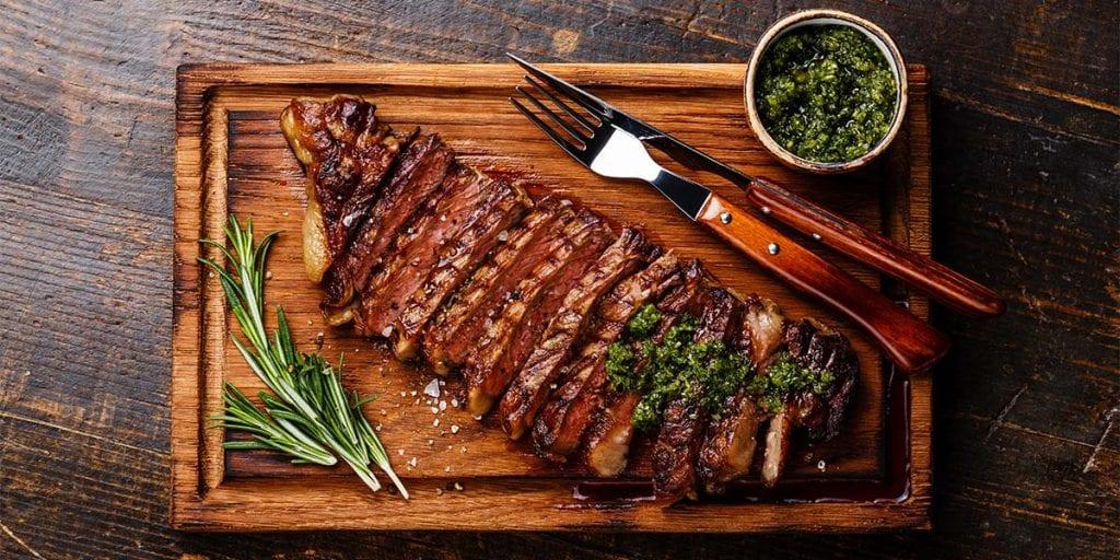 Hoy haremos un repaso a las mejores opciones gastronómicas que puedes ofrecer en tu próximo catering en Menorca a tus invitados más carnívoros