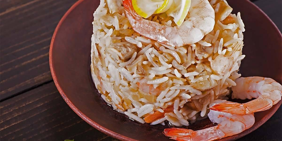 El arroz es una excelente elección, pues nos permite añadir todo el pescado y marisco que queramos, y a la vez nos ofrece una rápida digestión.