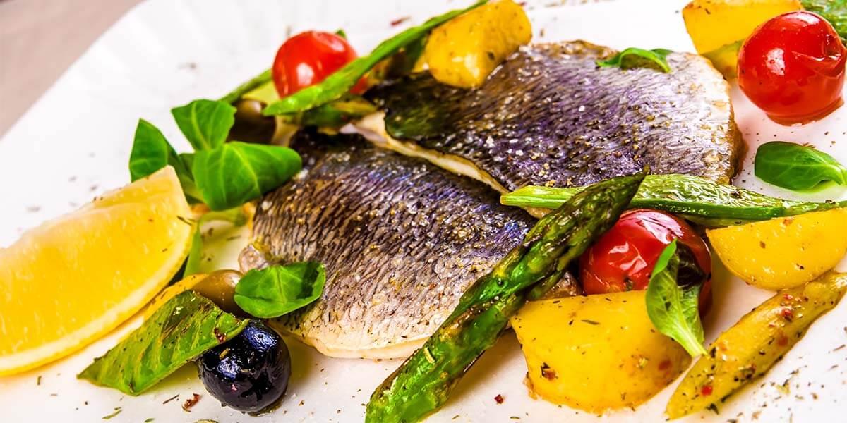 Doradas, lubinas, pez limón, sargos, morenas, marisco local… ¿Con cuál de estos manjares menorquines sorprenderás a tus invitados?