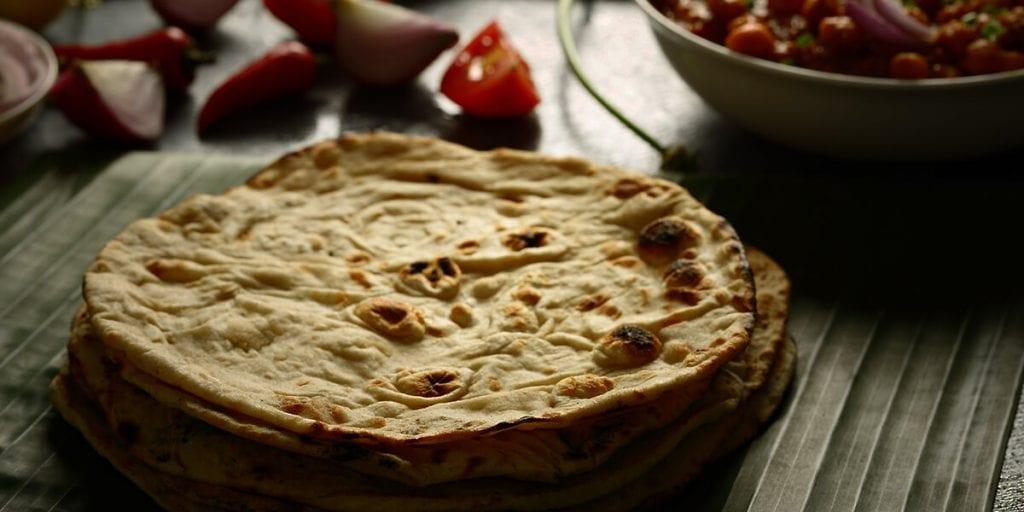El pan tandoori, que no puede faltar en un menú indio