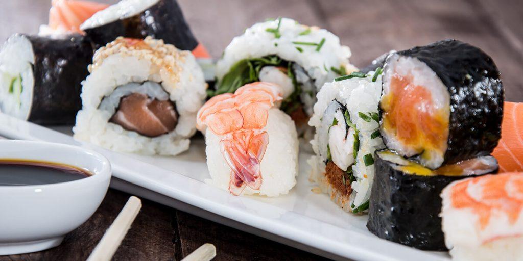 Variedad de sushi para disfrutar en unas fiestas espectaculares en Menorca